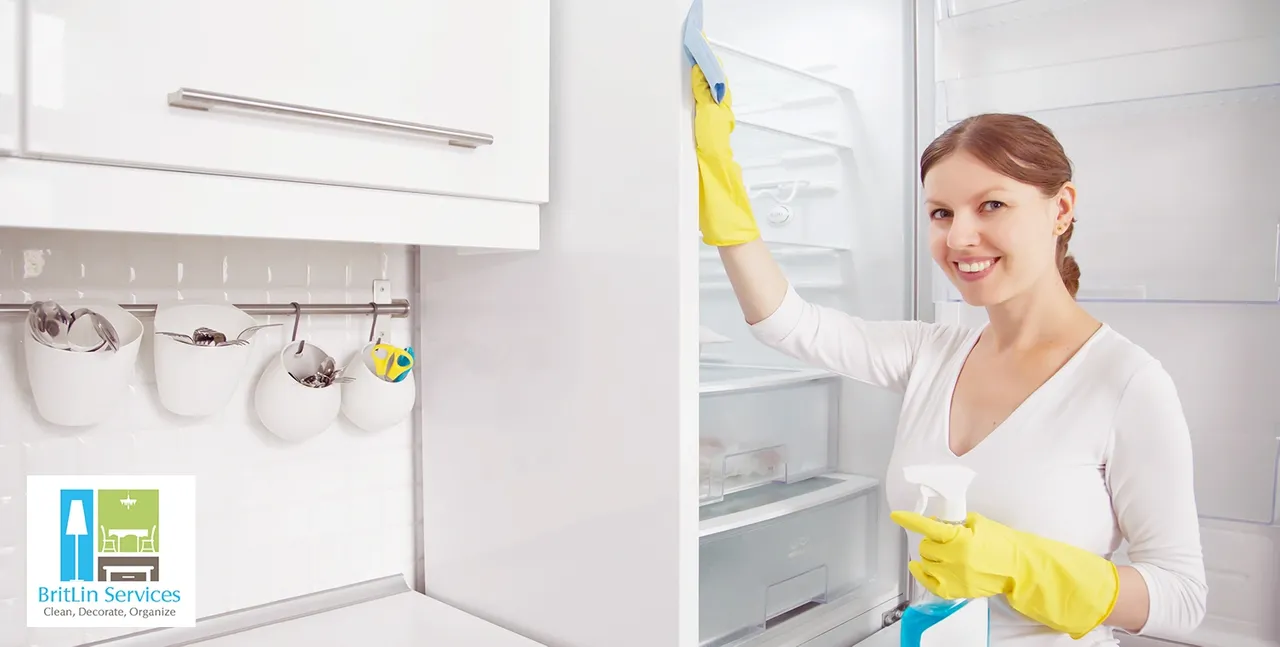 4 Professional Organizing Tips for a Cleaner Fridge